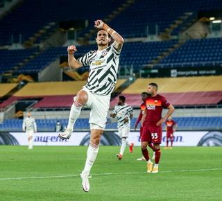 Manchester United pierde, pero se asegura la final de la Europa League: Cavini hizo doblete