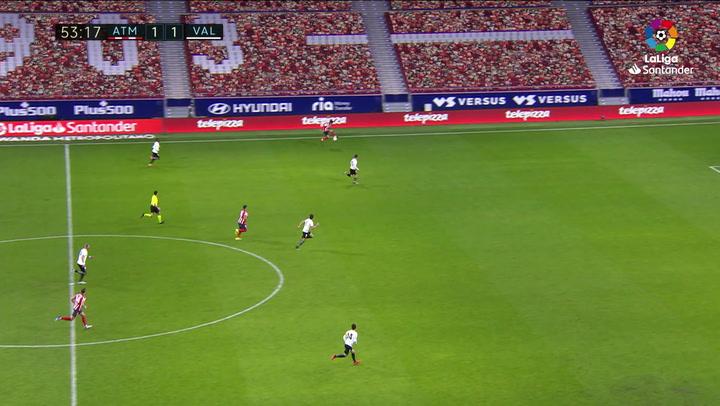 Gol de Luis Suárez (2-1) en el Atlético 3-1 Valencia