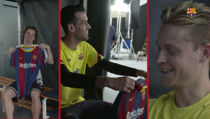 Las caras de Griezmann, Busquets o de Jong lo dicen todo: ¡la nueva camiseta gusta!