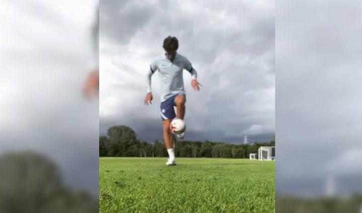Marcos Alonso comparte sus habilidades