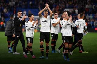 Valencia da la sorpresa venciendo al Chelsea de visita en su debut en la Champions League