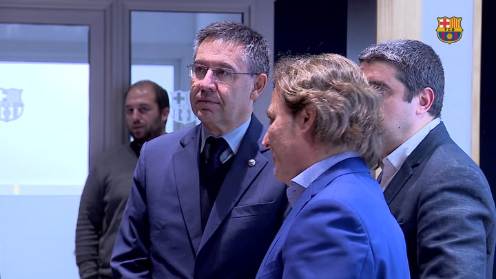 Visita de Josep Mª Bartomeu a las reformas de la Masia