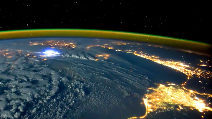 Tordenværet på jorda sett fra verdensrommet