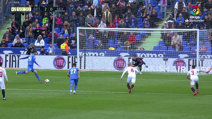 LaLiga: Getafe-Sevilla. Gol (2-0) de penalti de Jorge Molina (min 45+5)