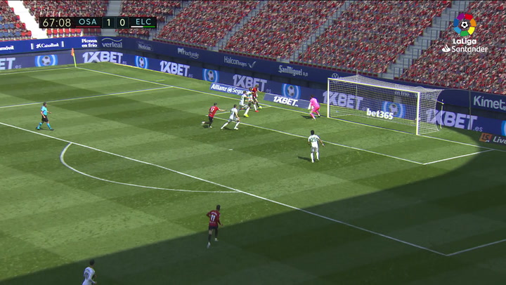 Gol de Diego González, p.p. (2-0) en el Osasuna 2-0 Elche