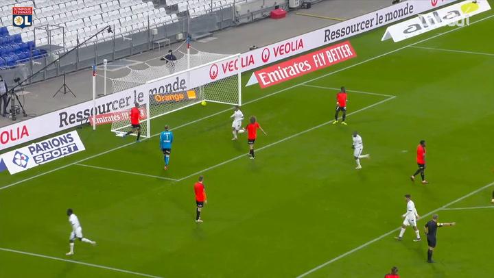 Moussa Dembélé's first goal of 2020-21