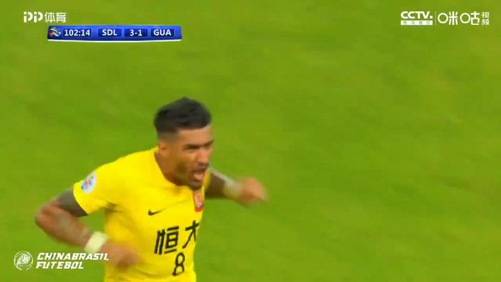 Paulinho, decisivo con un doblete para pasar a cuartos de la Champions asiática