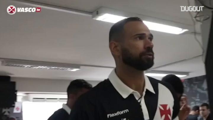 Leandro Castan sends a message to Vasco fans