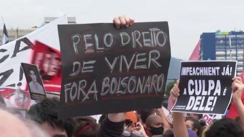 Miles de brasileños salen a las calles contra Bolsonaro