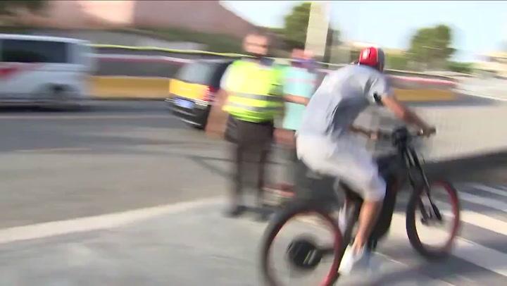 Piqué vuelve a hacer de las suyas: llegó al Camp Nou en bici