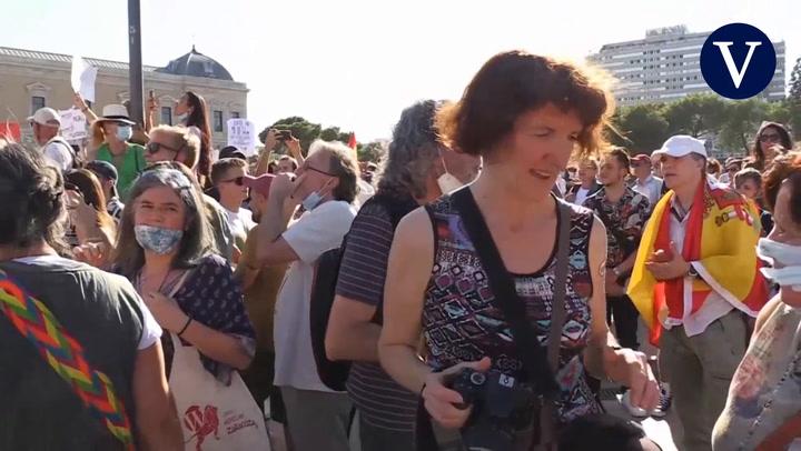 Concentración en la Plaza Colón de Madrid contra el uso obligatorio de la mascarilla