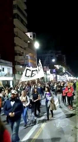 El reclamo de los universitarios volvió a copar las calles de la ciudad