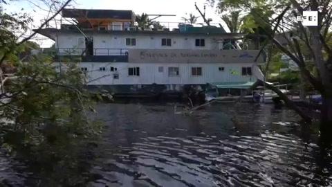 Ayuda médica contra la COVID-19 llega en barco hasta los ribereños del Amazonas