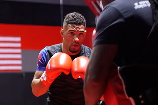 Kevin Lee's not chasing money fights, but selling his own