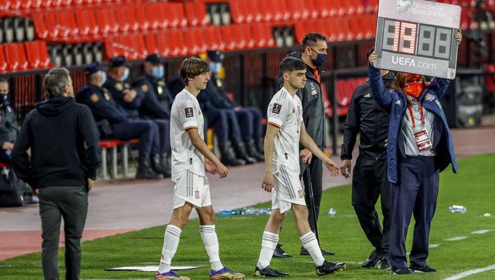 Pedri y Bryan Gil debutan con España