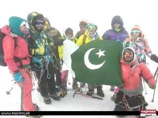 پاکستانی نوجوان اسد علی نے یورپ کی سب سے بلند چوٹی سر کرلی