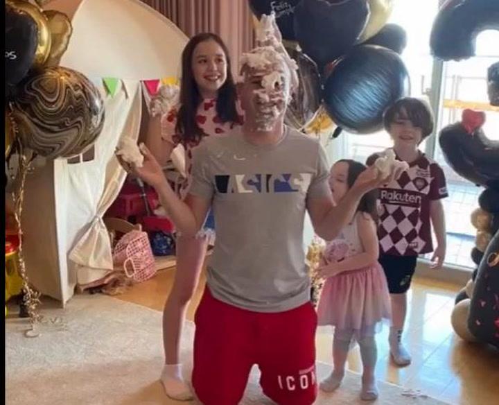 Anna Ortiz le preparó una sorpresa a  Andrés Iniesta por sus 36 años