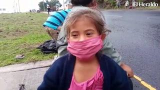 Tres hermanitos piden ayuda para alimentarse en bulevar FFAA
