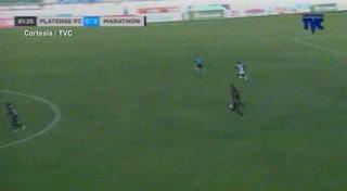 Frelys López anota el 4 - 0 de Marathón ante Platense