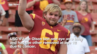 Blind football player snaps the ball for USC