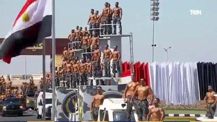 El singular desfile de graduación de la Policía de Egipto