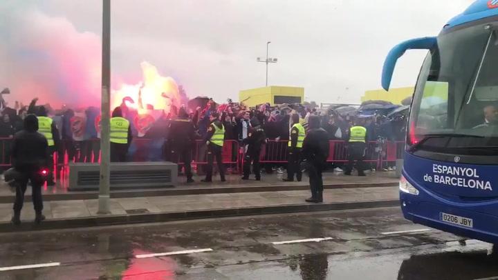 Miles de 'pericos' animaron a su equipo en Villarreal