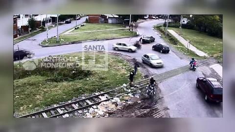 Fueron filmados robando en moto, pero los liberaron a las pocas horas