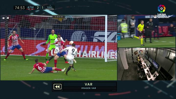 LaLiga: Atlético Madrid - Valencia. Penalti por manos de Saúl en el minuto 76