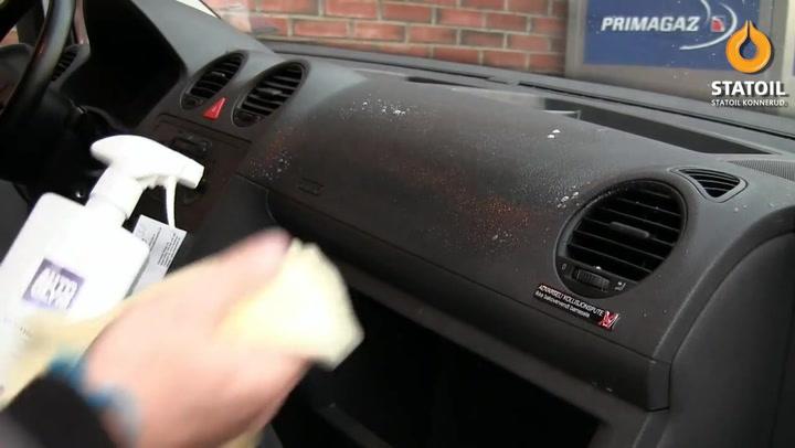 Bilpleie: Hvordan fjerne vond lukt i bilen