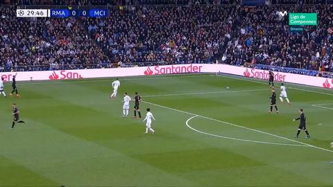 El increíble blooper de Vinícius en el Real Madrid - Manchester City