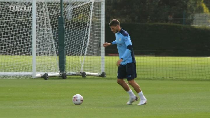 Ruben Dias' first Man City training session