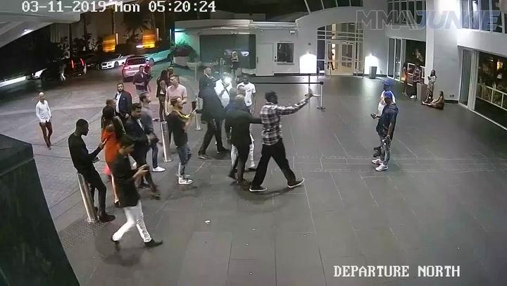 Sale a la luz un nuevo vídeo del robo del móvil de McGregor a un aficionado