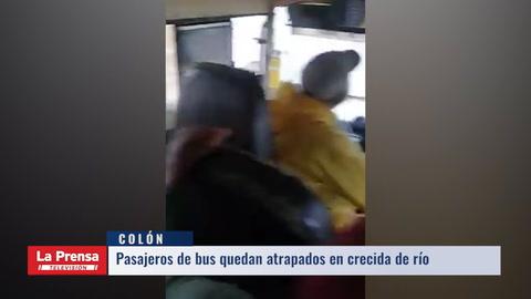 Bus queda atrapado en inundaciones en Colón