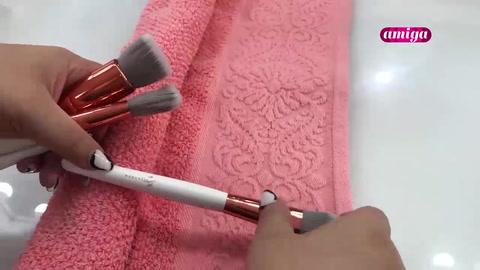 Pasos para limpiar las brochas y esponjas
