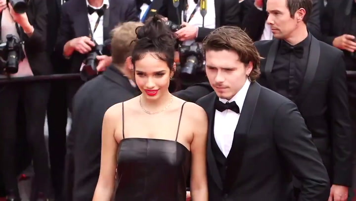 Así posaron Brooklyn Beckham y su novia Hana Cross en Cannes
