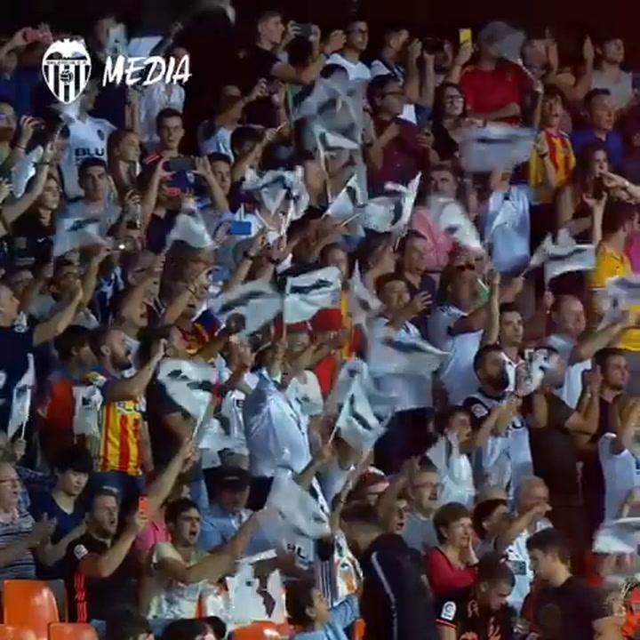 El Valencia calienta el ambiente para la remontada contra el Arsenal