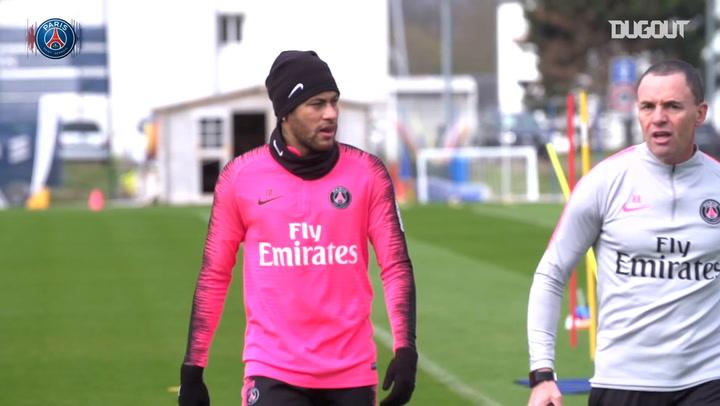 Neymar Jr Returns To The Training Ground