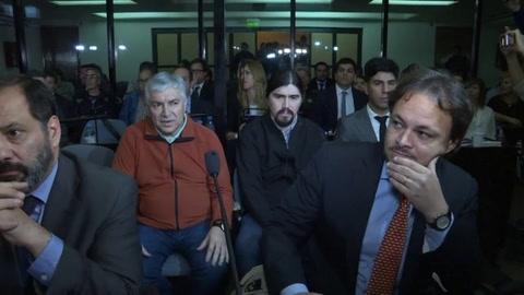 Condenan a 12 años de prisión a empresario argentino cercano a los Kirchner.mp4