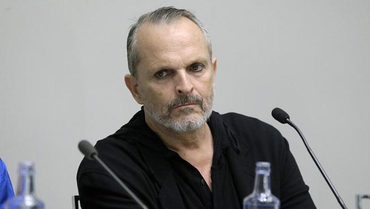 Miguel Bosé apoya públicamente la manifestación contra el uso de mascarillas