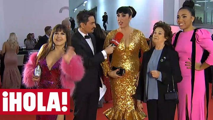 El momentazo de Loles León y Rossy de Palma, \'folclóricas chic\' ante las cámaras de ¡HOLA!