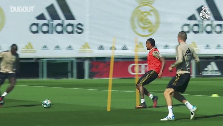 Real Madrid treina para duelo contra o Eibar no Espanhol