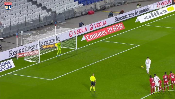 Memphis Depay's 50th goal with Lyon