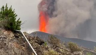 VIDEO: Fuerte erupción en el Volcán Cumbre Vieja en La Palma