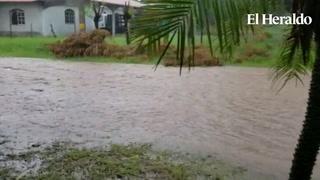 Fuertes tormentas inundan calles de la ciudad de Choluteca