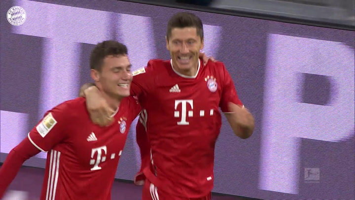 Lewandowski scores four in 4-3 win over Hertha Berlin