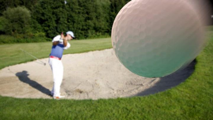 Golf: Hvordan slå sikkert ut av fairwaybunkeren