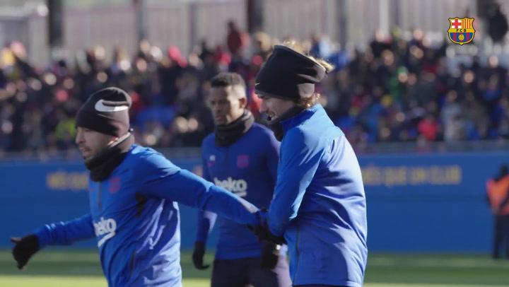 El Estadio Johan Cruyff se inundó de alegría en el entrenamiento de puertas abiertas