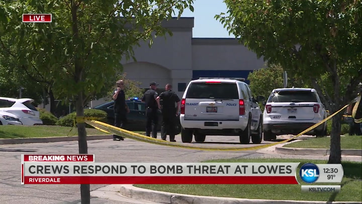 Bomb Threat Forces Evacuation Of Riverdale Lowe's