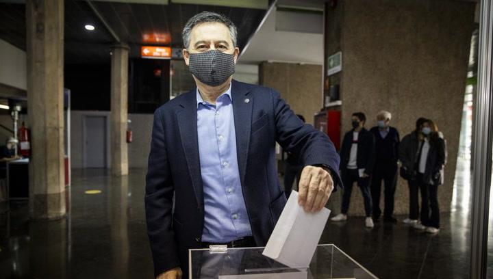 Josep María Bartomeu ejerce su derecho al voto
