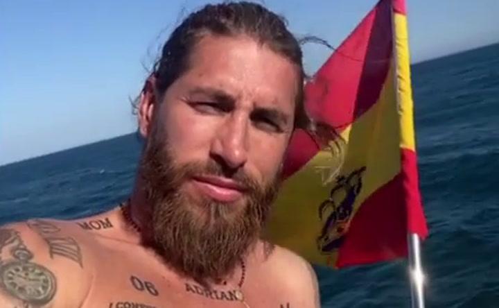 Sergio Ramos disfruta de unas minivacaciones en la costa andaluza